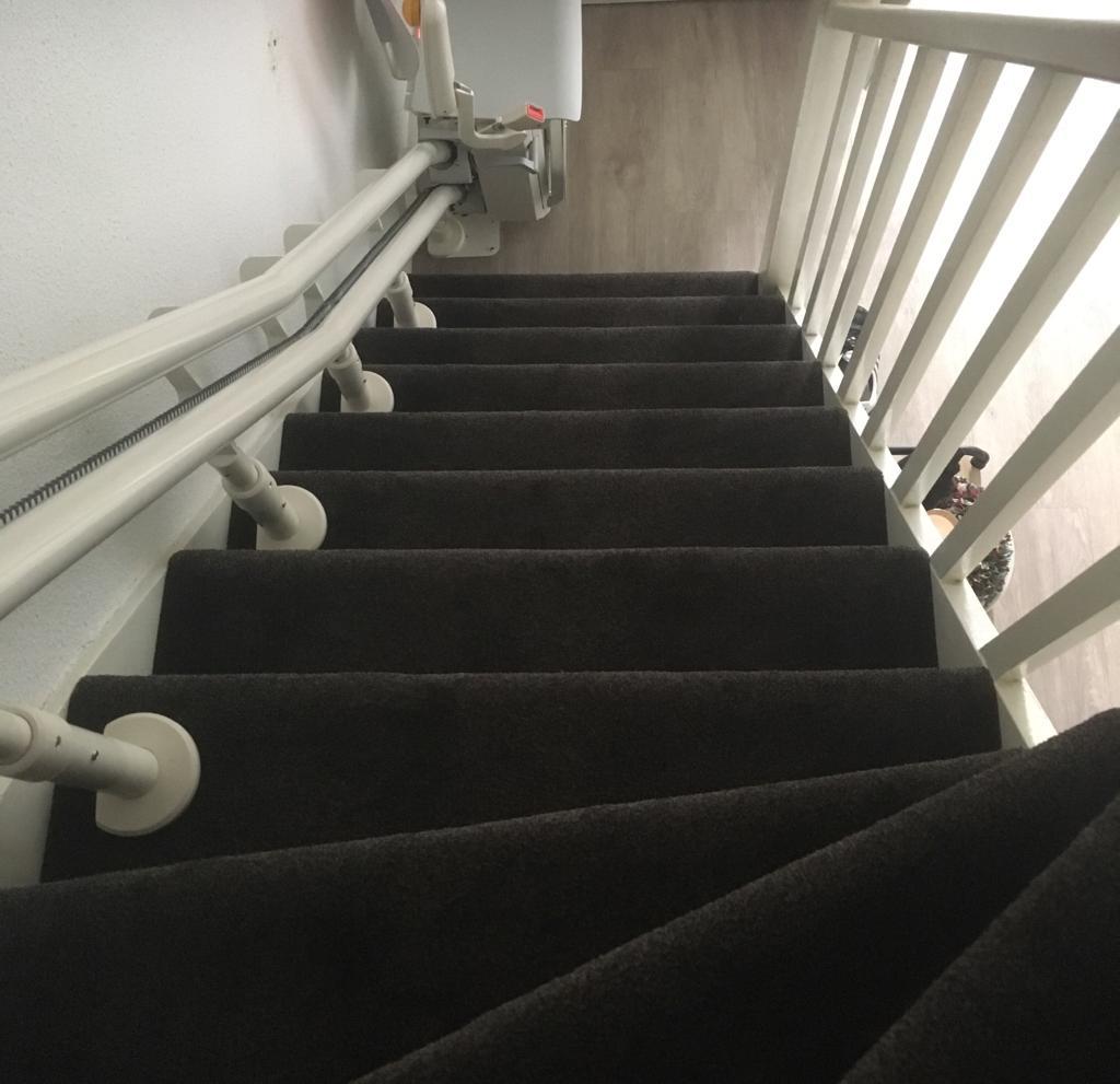 tapijt op trap laten leggen